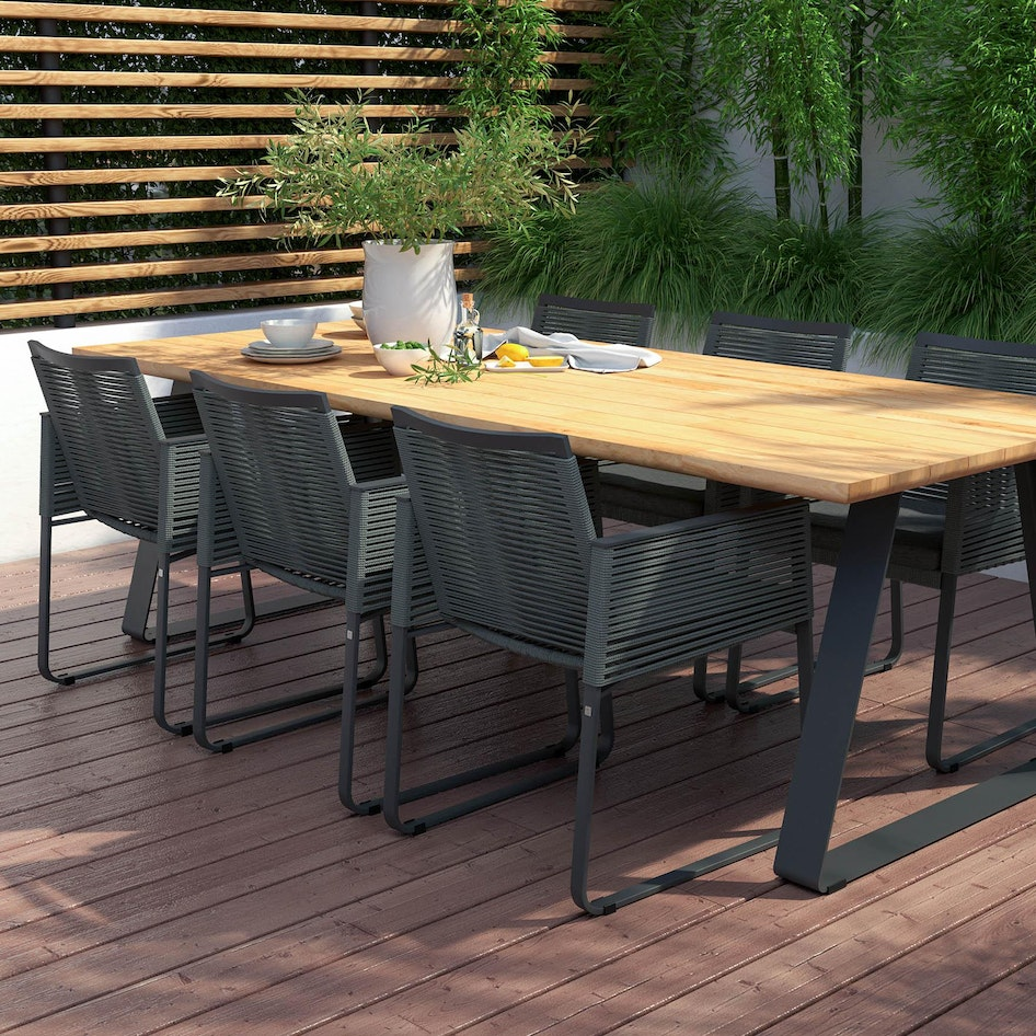 Ortea 0004 Ortea dining chair with Basso table Outdoor scene dimensions adjusted