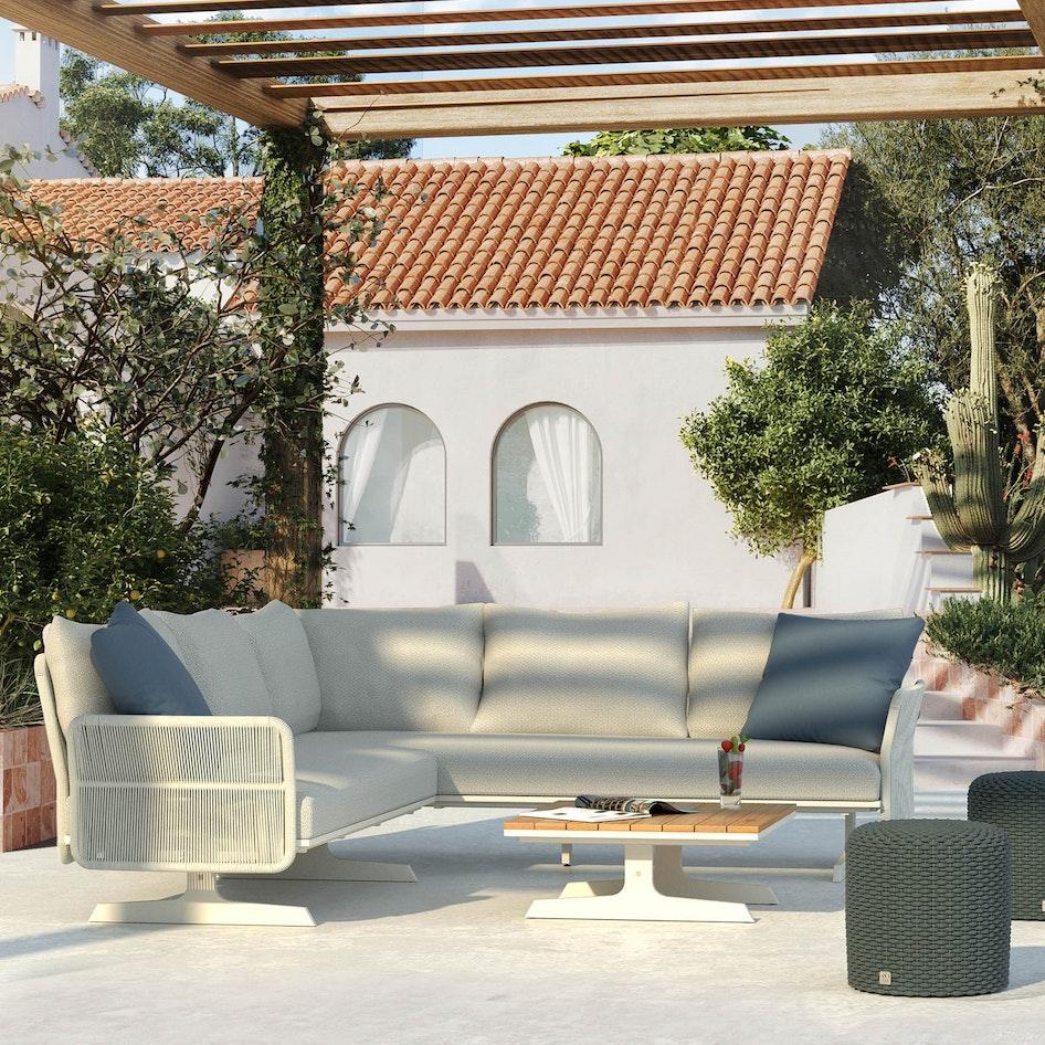 Play 0001 Play modular lounge panelconcept luxury outdoor scene
